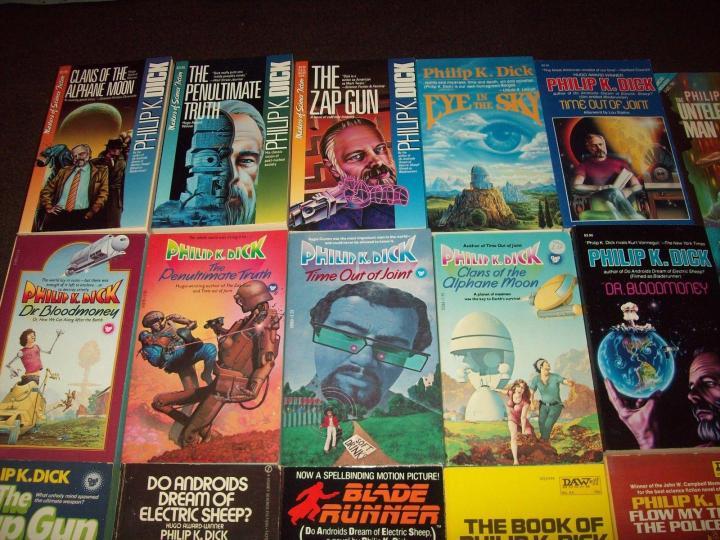 Philip-K-Dick-paperback-collection-536-2.jpg